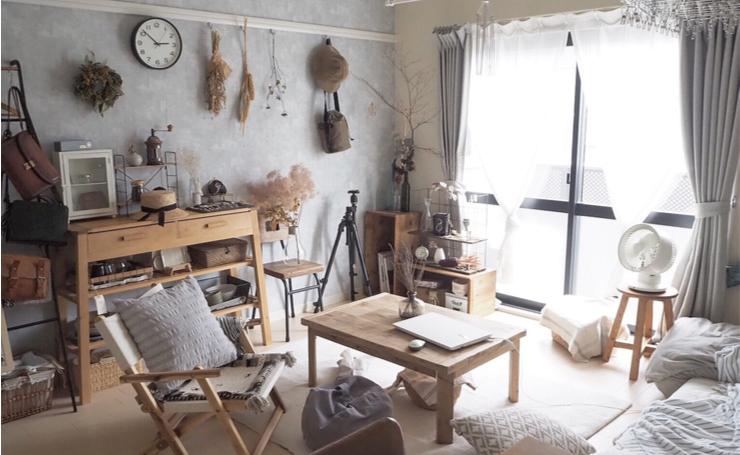 木の温もりを感じて暮らす。手作り家具のナチュラル1Kインテリア